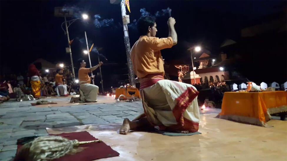 Worship Pashupati Nath Temple